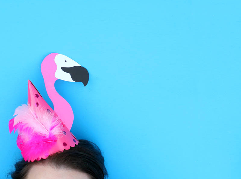 DIY_Make_FlamingoPartyHat_01.jpg