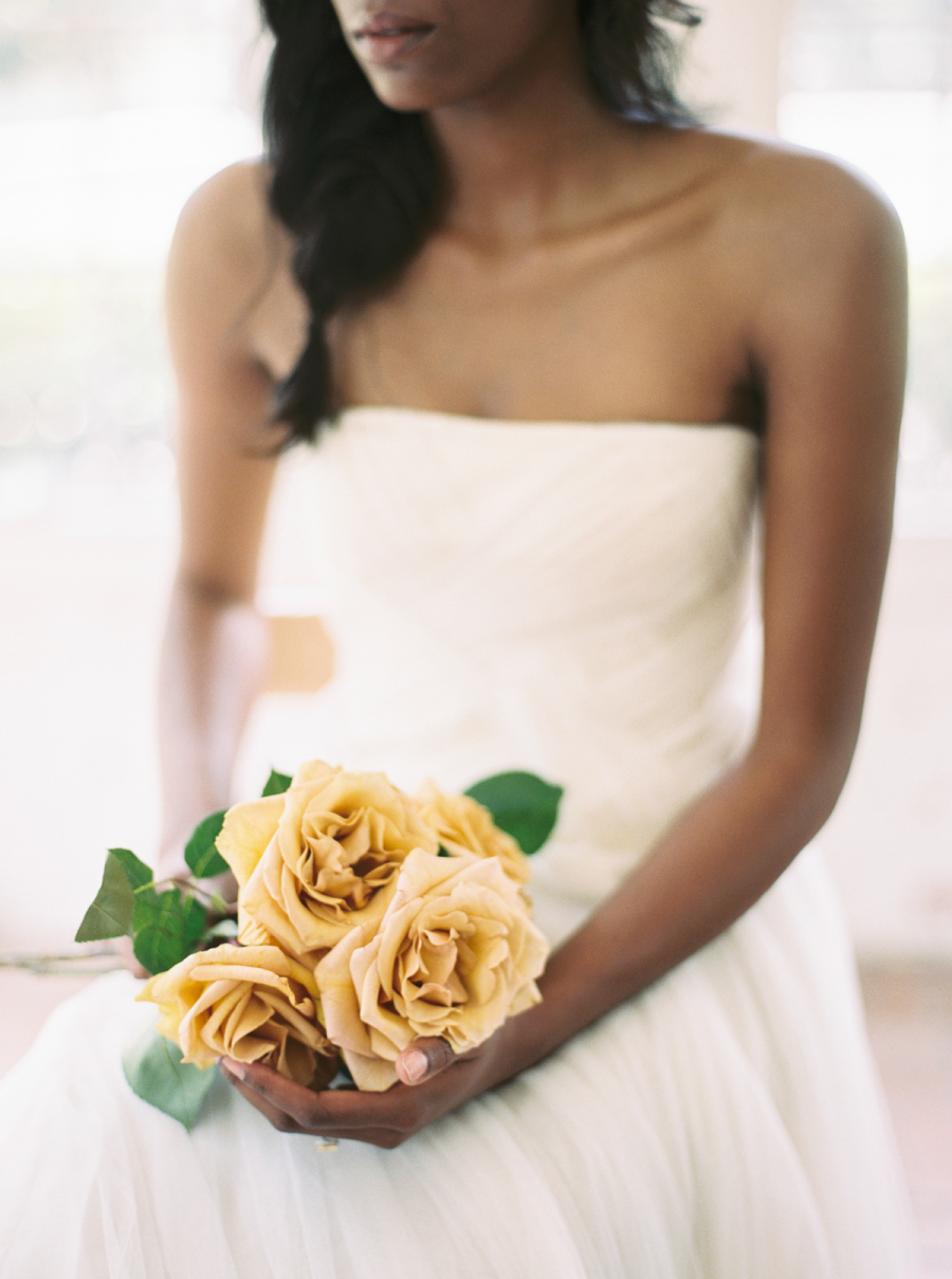 HOORAY_Simple-Single-Variety-Wedding-Bouquets_06