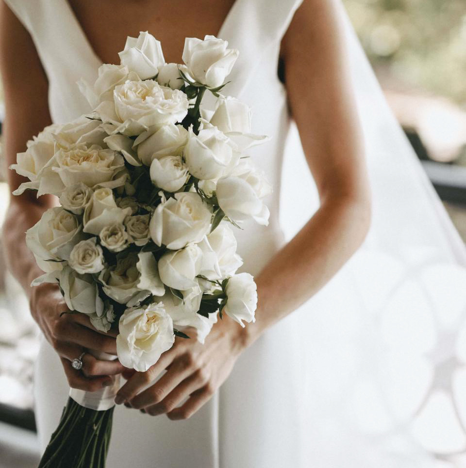 HOORAY_Simple-Single-Variety-Wedding-Bouquets_12